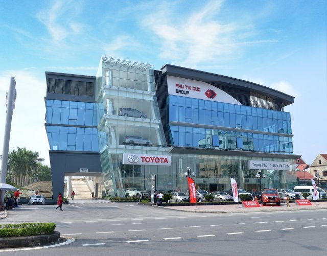 Toyota opens new dealership in Ha Tinh