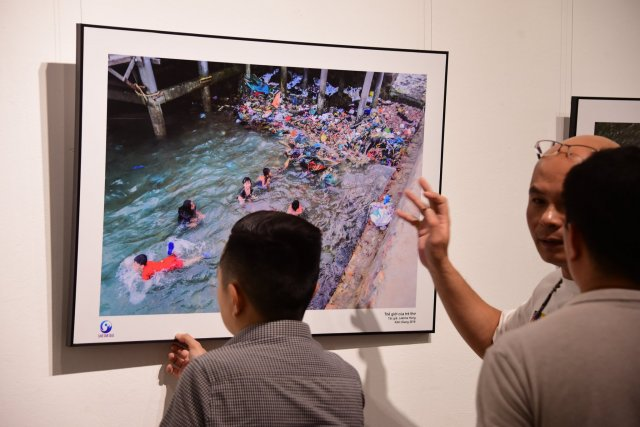'Save our Seas' photo exhibition highlights plastic waste